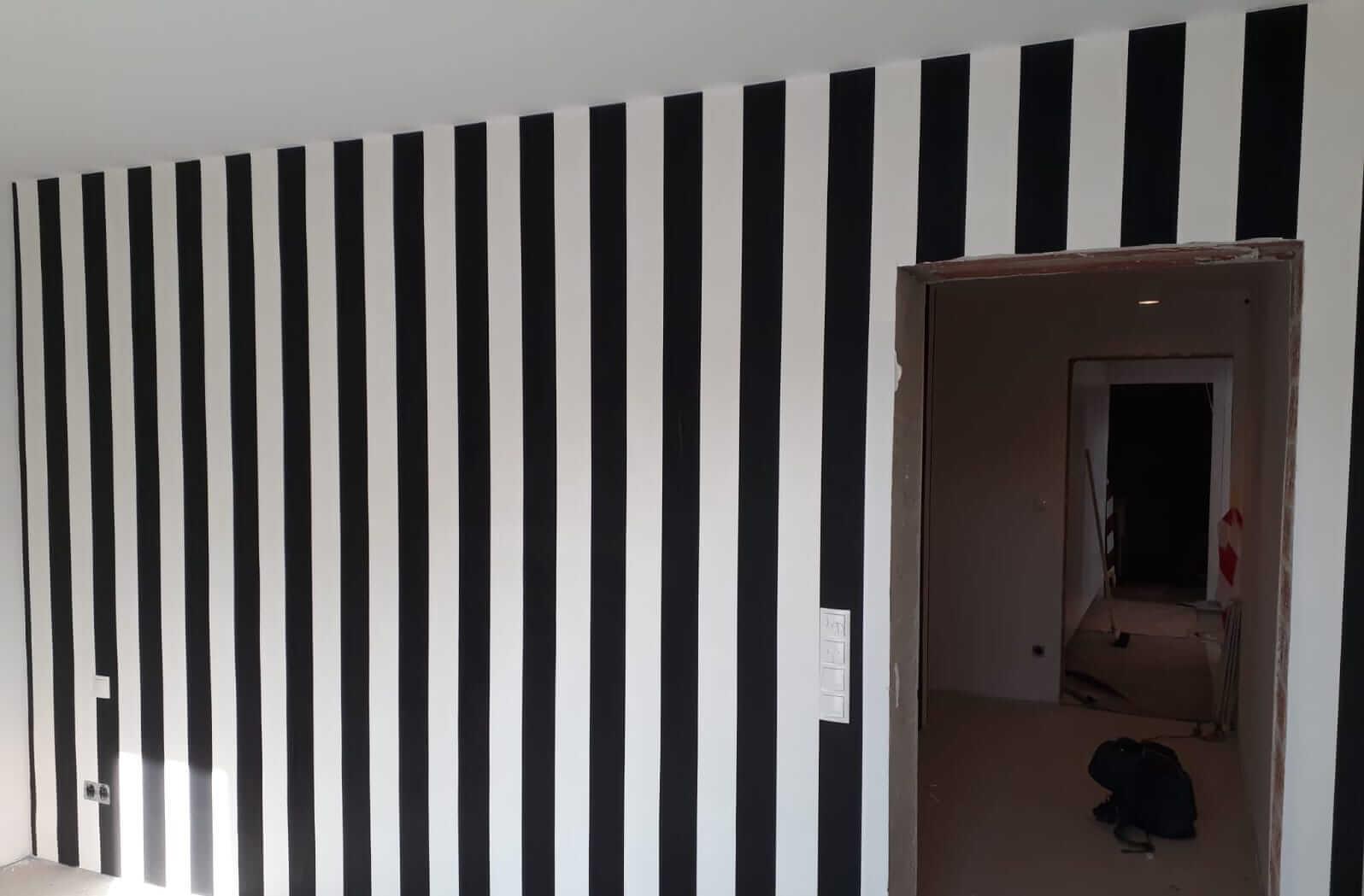 malerbetrieb-ulrich-tapete-schwarzweiß-gestreift